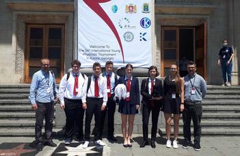 Ezüstérmesek lettek a magyar ifjú fizikusok
