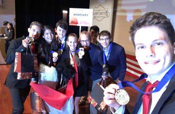 Óriási sikert ért el a magyar fizikaválogatott Szingapúrban